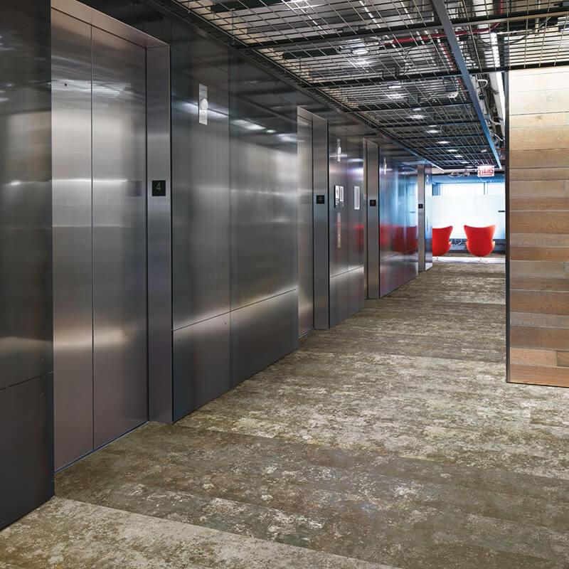 Boundary metallics in commercial corridor