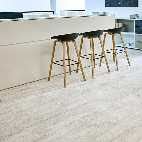 Nouveau Vintage Wood-effect carpet plank